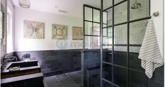 Brazil black bathroom