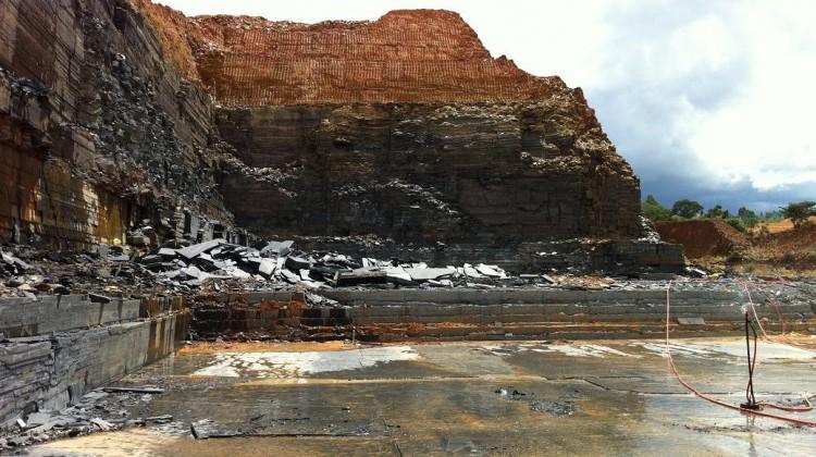 Open bank Pure black quarry slate