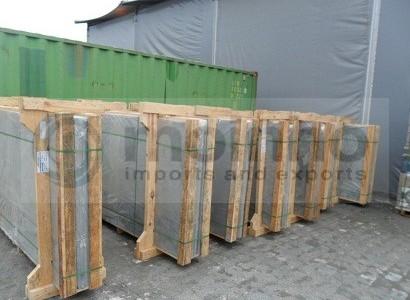 Slate slabs bundles crates